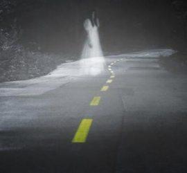 Хорор в ночи на дороге