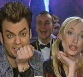 Новогодний голубой огонек 2000 года: как страна встречала праздник 20 лет назад