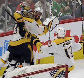 Вратарь Нэшвилла сумел забросить великолепную шайбу в матче НХЛ