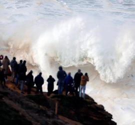 Бушующий ураган Глория накрыл Западную Европу