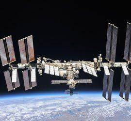 Lego создала игрушечную космическую станцию и запустила ее в стратосферу