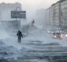 Снежный ад в Норильске: метель парализовала транспорт и коммуникации