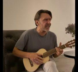 Шнуров выпустил сатирическую песню о продлении выходных