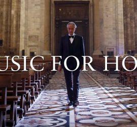 Невероятное выступление Андреа Бочелли в пустом Миланском кафедральном соборе