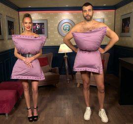 Иван Ургант и Глюкоза сняли с себя всю одежду, прикрывшись подушками