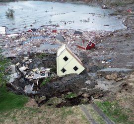В Норвегии оползень утопил часть поселка