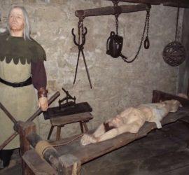 Самые изощренные пытки Средневековья, от которых мурашки по коже