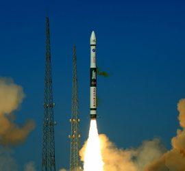 Китайцы попытались запустить ракету со спутниками: вышло неудачно