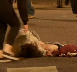 В Портленде из-за действий федералов пострадали мирные люди: кадры 18+