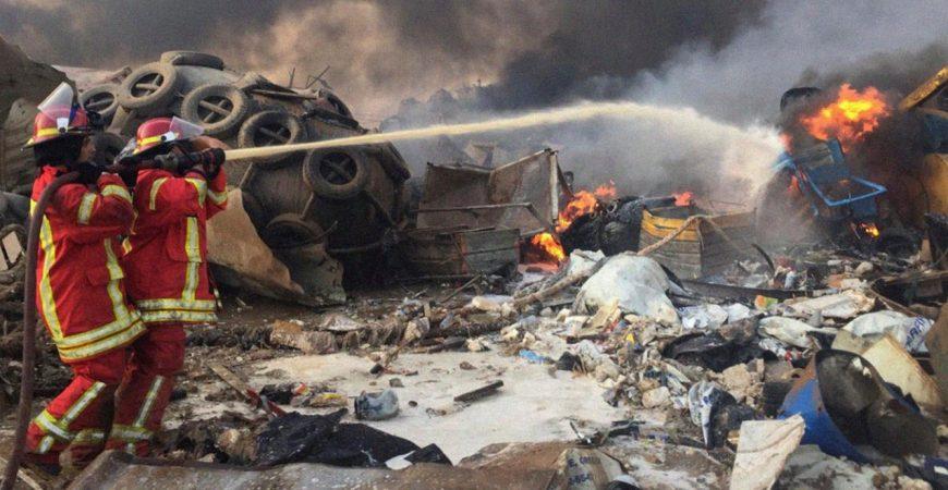 Взрыв в Бейруте: шокирующие кадры с разных ракурсов