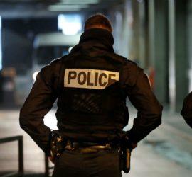 Во Франции террорист захватил заложников в банке