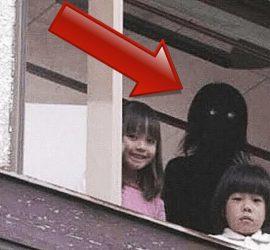 Видеозаписи с детьми, которые увидели настоящих призраков