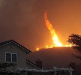 По США пронесся огненный торнадо