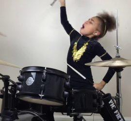 10-летняя барабанщица покорила интернет своим кавером на Nirvana