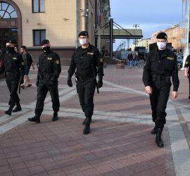 Самая жесткая драка с ОМОНом в Минске