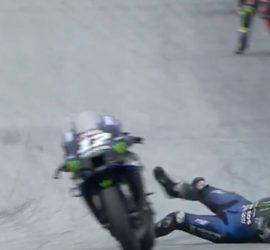 Гонщик MotoGP спрыгнул с мотоцикла на скорости 230 км/ч