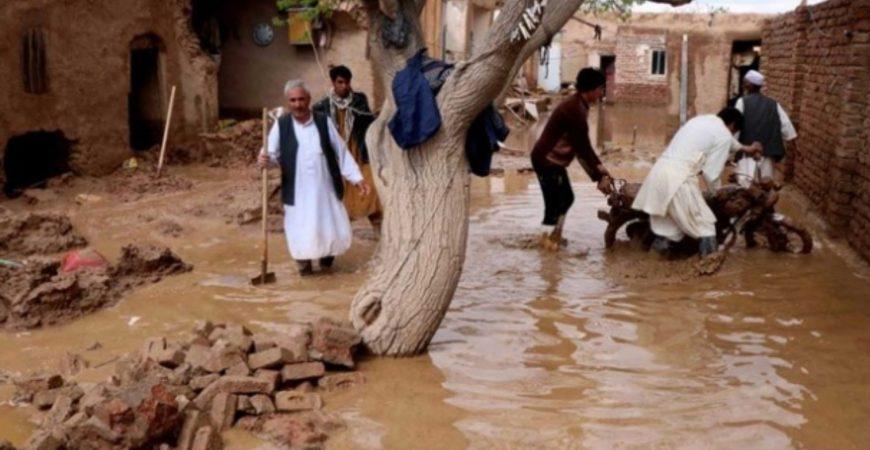 В Афганистане погибли более ста человек из-за наводнения