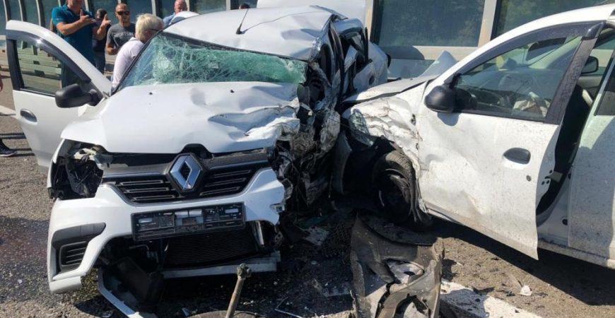 Смертельное ДТП в Сочи: столкнулись сразу несколько авто
