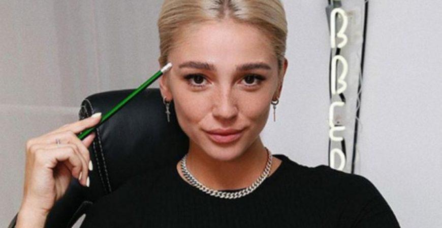 На Анастасию Ивлееву открыли дело за рекламу коктейля