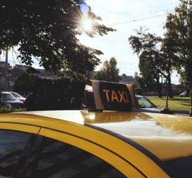 В России подростки жестко избили таксиста и угнали его авто