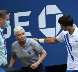 Джокович попал мячом в горло судье на US Open