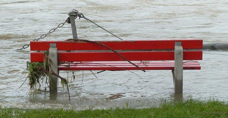 Улицы Новороссийска ушли под воду
