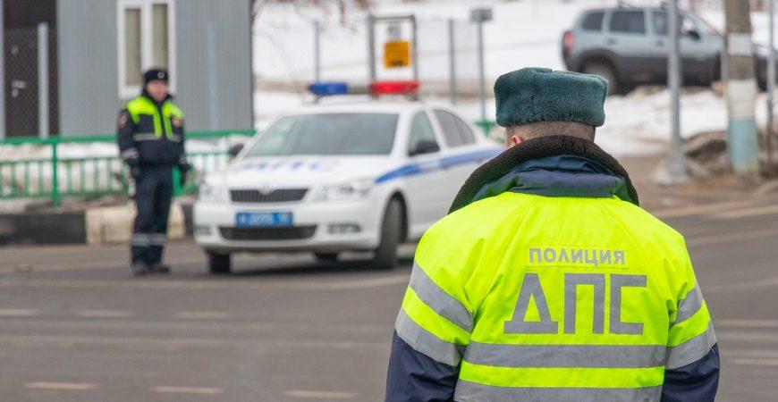 В Якутии парни потроллили сотрудников ГАИ