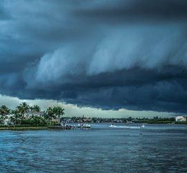 На Приморье обрушился мощный тайфун Хайшен