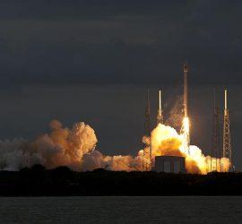 SpaceX показала неудачные посадки Falcon 9