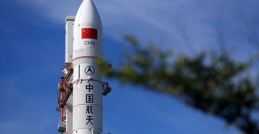 Китай впервые запустил ракету в космос с морского старта